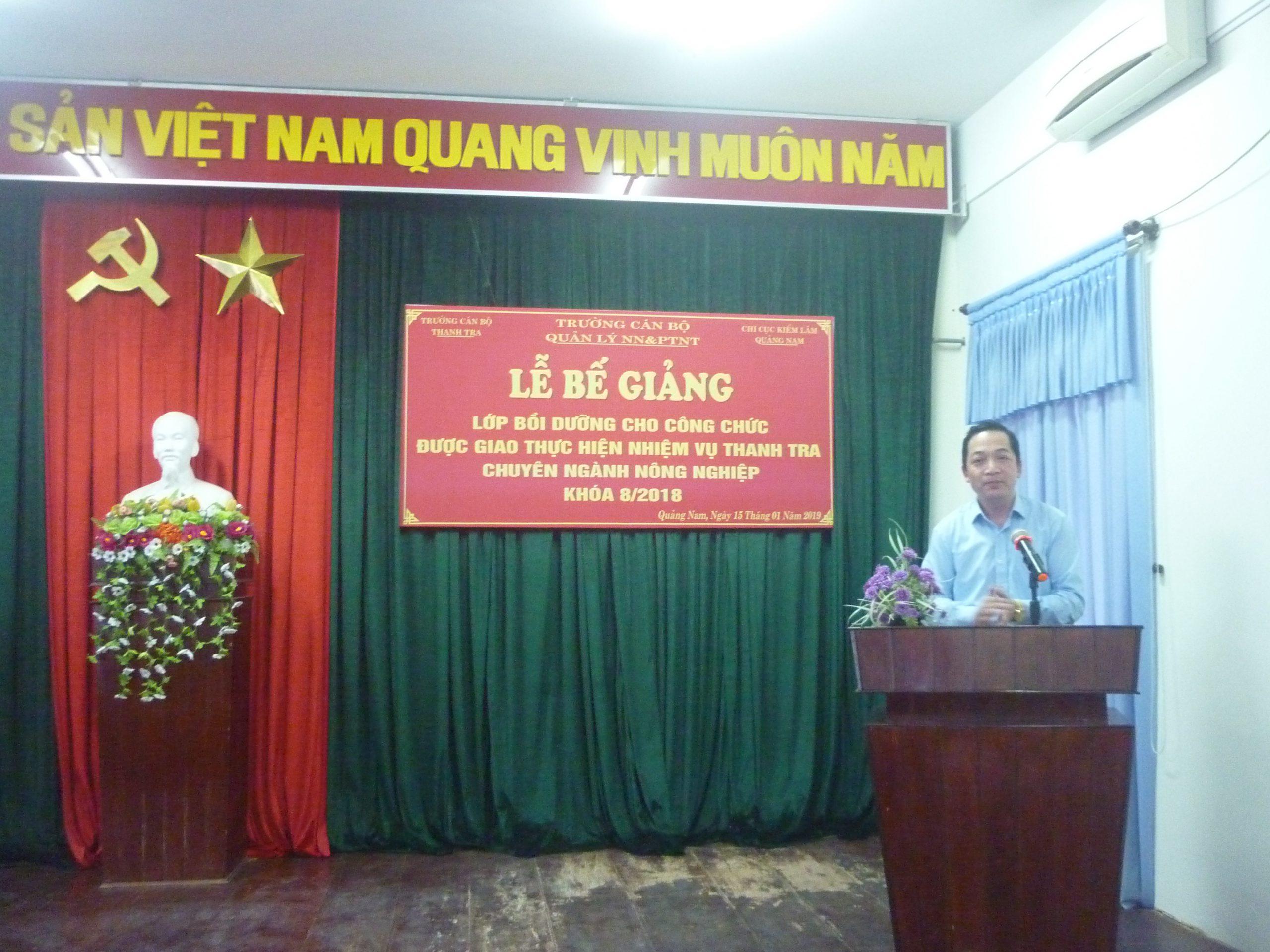 TS Nguyễn Huy Hoàng Phó HIệu trưởng TCBTT phát biểu bế giảng khóa học