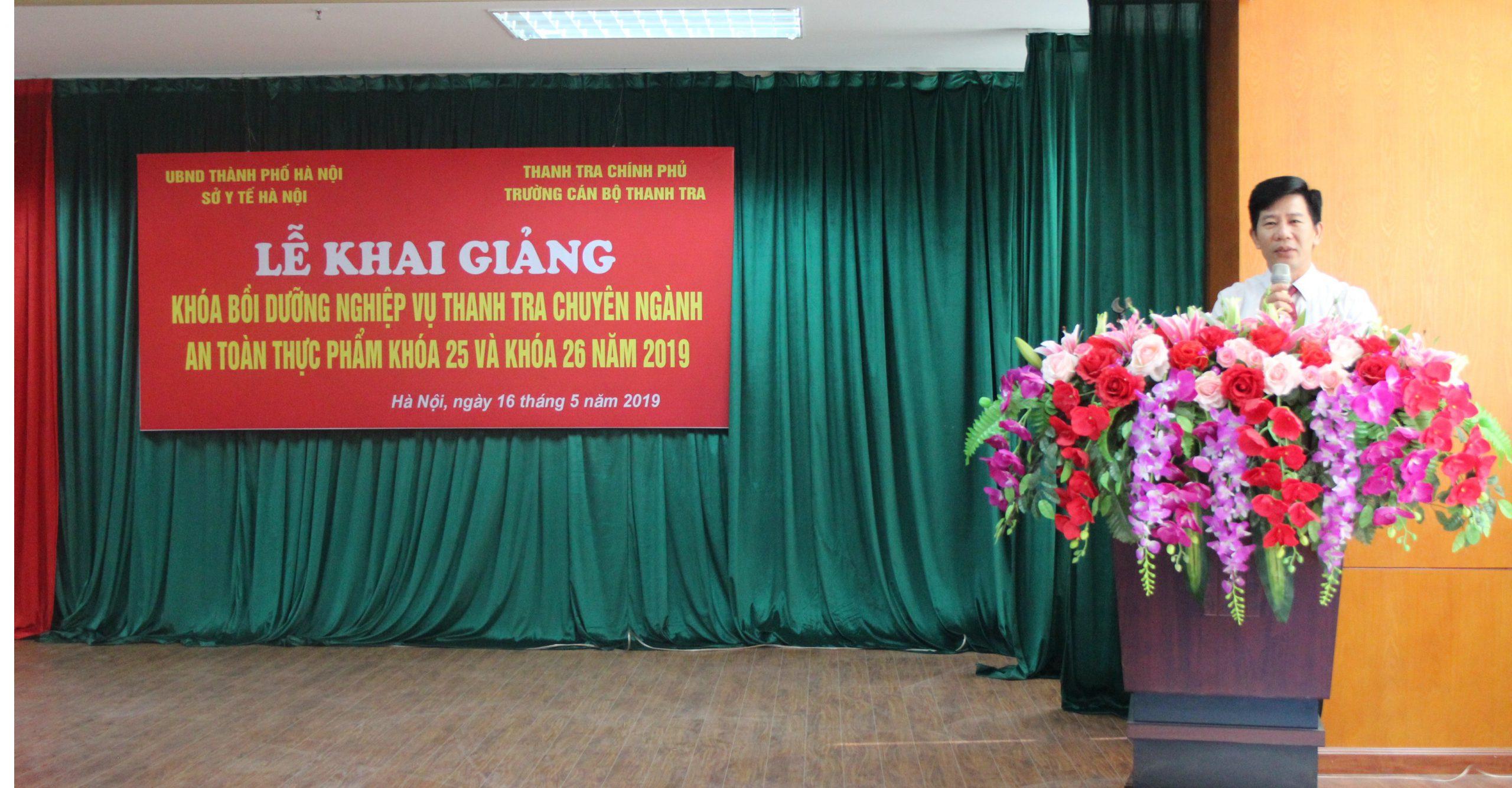 Ông Nguyễn Viết Thạch Phó Hiệu trưởng Trg CBTT phát biểu khai giảng khóa học