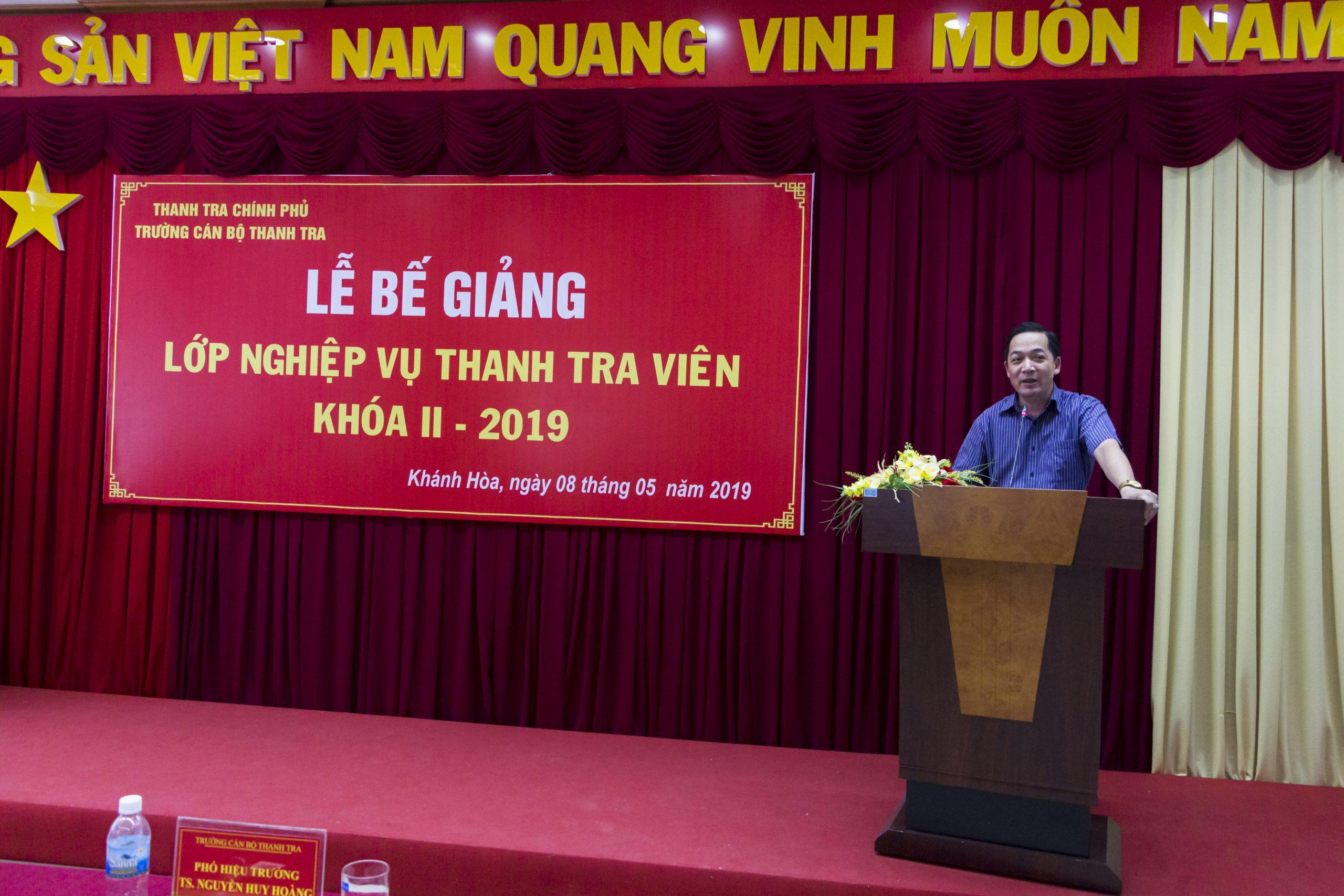TS Nguyễn Huy Hoàng Phó Hiệu trưởng Trg CBTT phát biểu bế giảng khóa học