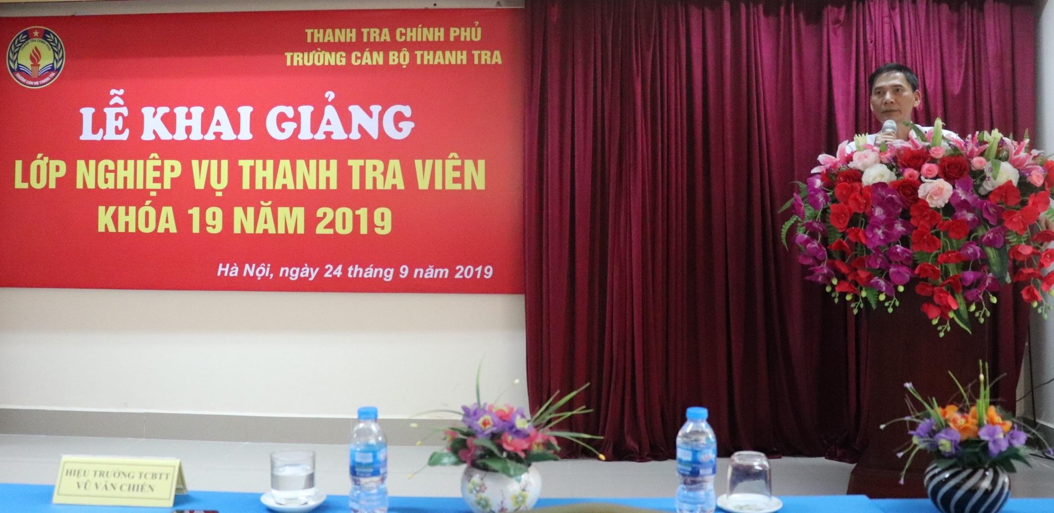 Ông Vũ Văn Chiến HT Trg CBTT phát biểu tại Lễ Khai giảng