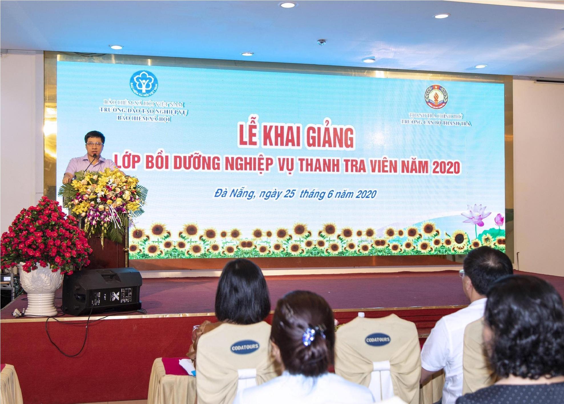 TS Trịnh Văn Toàn Phó Hiệu trưởng Trường Cán bộ Thanh tra phát biểu khai giảng khóa học