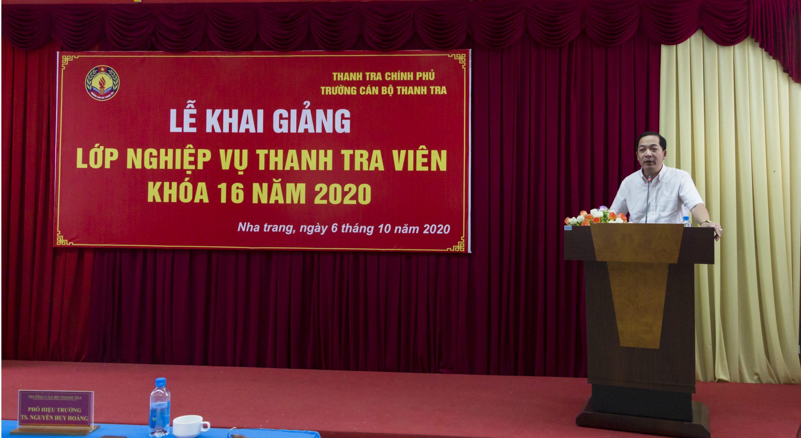 TS Nguyễn Huy Hoàng TTVCC PHT Trg CBTT phát biểu khai giảng khóa học